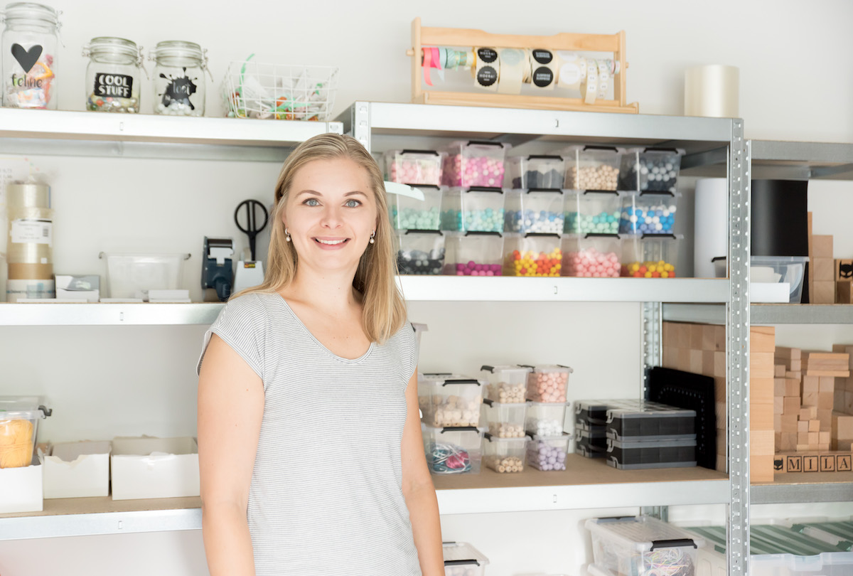 foto van Marloes van lifestyle2love in haar werkkamer